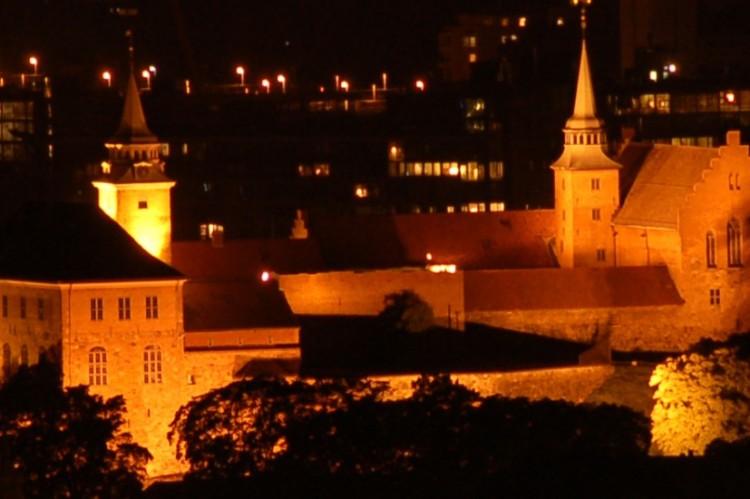 Akershus_festning_by_night-1280x550